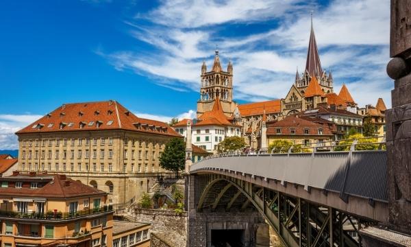 Solo Travel - Switzerland | Art In Voyage