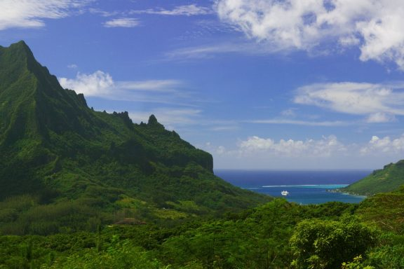 Tahiti: Journey of Renewal 2021, with Art In Voyage. Hiking trails, spa treatments, yoga, meditation, authentic cuisine & more