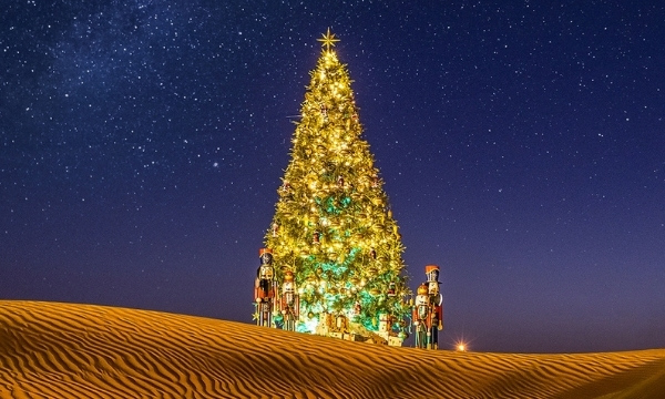 Best Warm Places To Visit In December | Travel To Dubai For Christmas | Art In Voyage