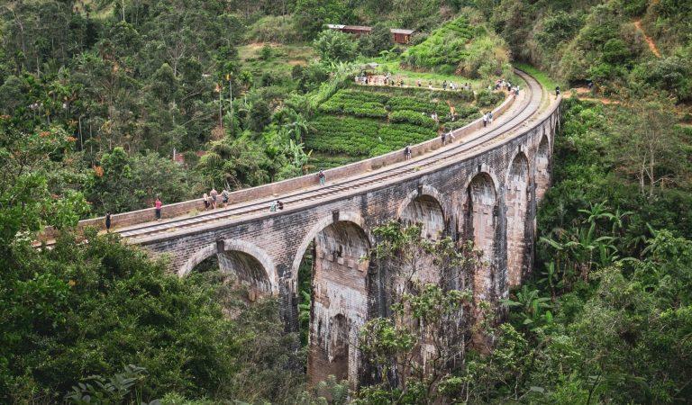 Hiking Srik Lanka, By Art In Voyage