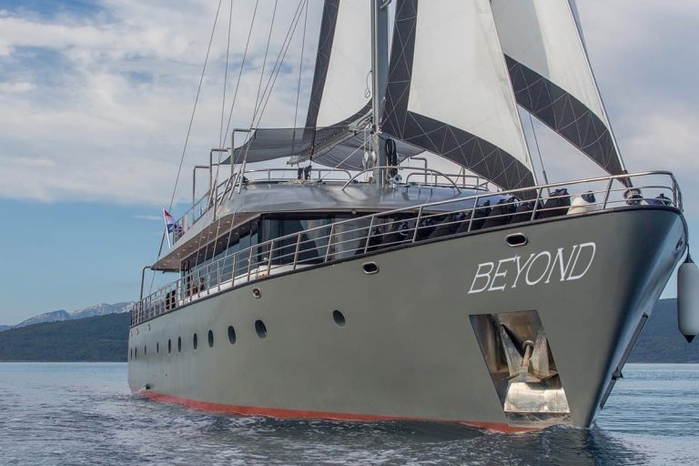 Luxury Sailing, by Art In Voyage