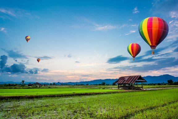 Hot air balloon, organic farm and street food