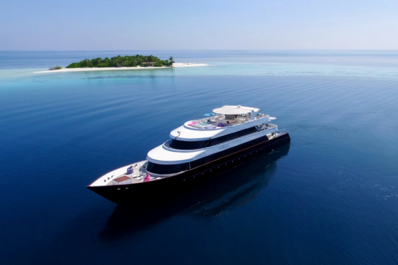 7 Night Itinerary to The Maldives, with Art In Voyage - November 2021