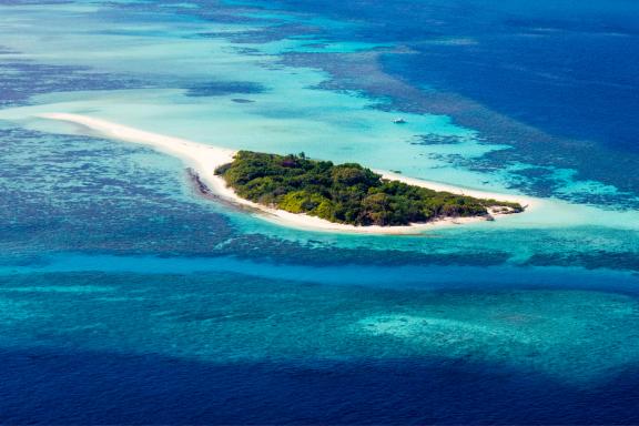 Cruising the Atoll of Baa