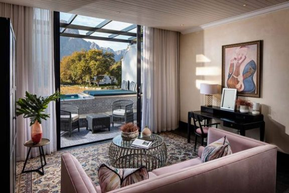 Mountain Suite w/Pool | Winelands