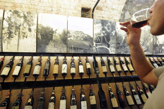 Wine tasting & Alba